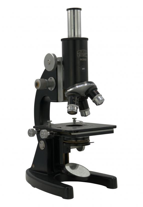 http://histoiredumicroscope.com/?p=4181
