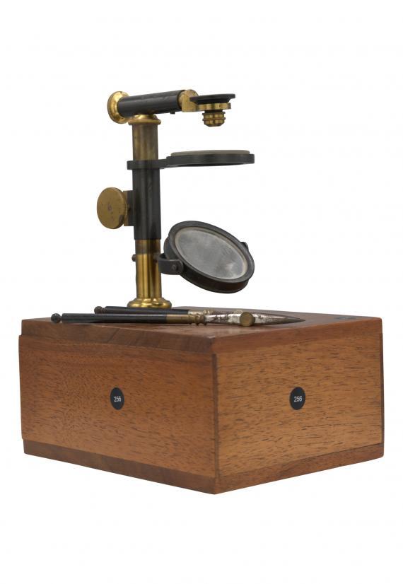 http://histoiredumicroscope.com/?p=6357