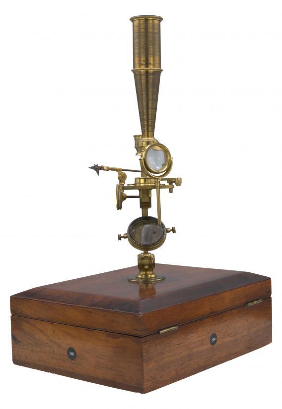 http://histoiredumicroscope.com/?p=6569