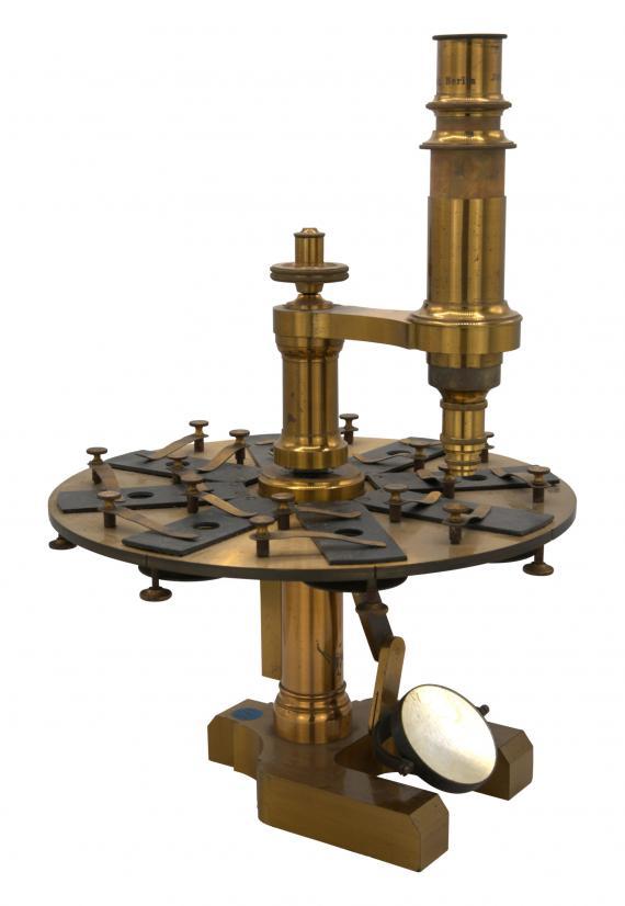 http://histoiredumicroscope.com/?p=4548